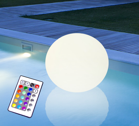 boule lumineuse led flottante piscine 35 cm rechargeable flat ball 85. Black Bedroom Furniture Sets. Home Design Ideas
