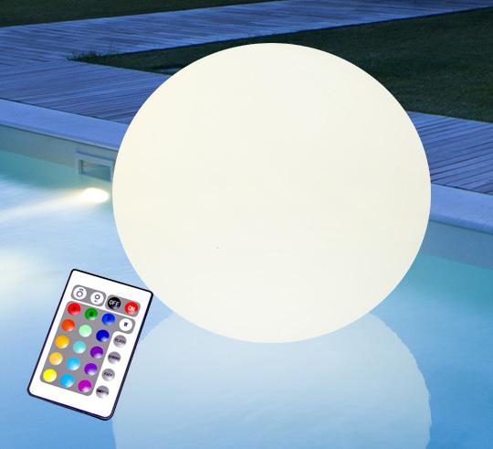 boule lumineuse led flottante piscine 60 cm rechargeable flat ball 12. Black Bedroom Furniture Sets. Home Design Ideas