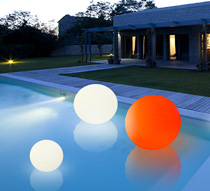 boule lumineuse led flottante piscine 50 cm rechargeable flat ball 10. Black Bedroom Furniture Sets. Home Design Ideas
