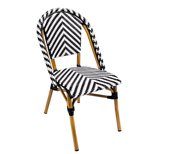 Chaise de terrasse parisienne r sine tress e noir et blanc for Chaise noir et blanc