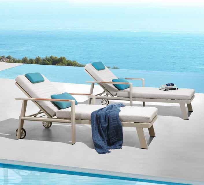 2 Soleil1 Basse Bains De Nofi Teck Chaises Longues Aluminium Lot Table Et Yvf7gIb6y