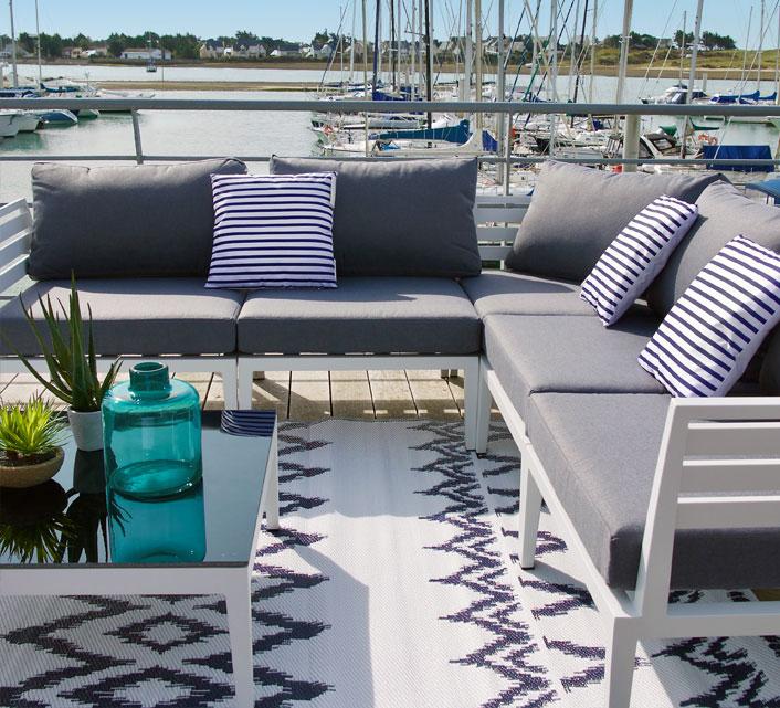 Coussin d\'extérieur blanc marinière bleu marine 45x45cm 24€ | Salon ...