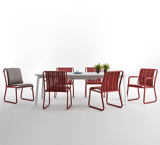 salon de jardin aluminium rouge red 8 places 1899 salon d 39 t. Black Bedroom Furniture Sets. Home Design Ideas