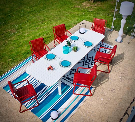 salon de jardin aluminium rouge s ville 8 places 1679 salon d 39 t. Black Bedroom Furniture Sets. Home Design Ideas