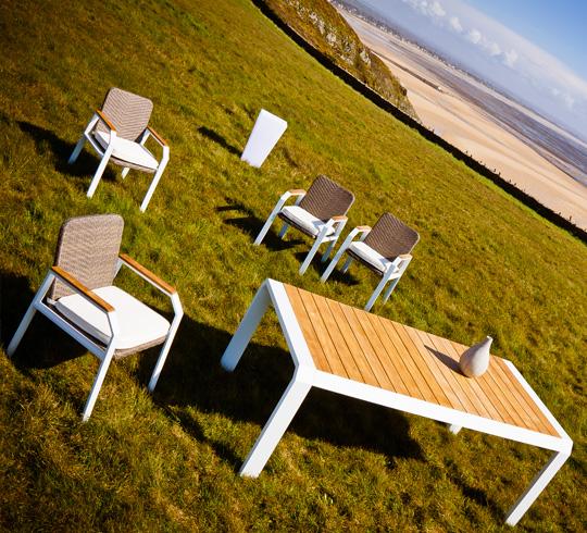Salon de jardin aluminium blanc et teck miami 8 places - Salon de jardin aluminium 8 places ...